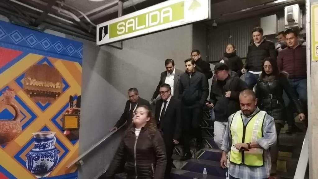 simulacro-macro-metro-ciudad-mexico-cdmx-participacion-usuarios-estaciones-trenes-servicio