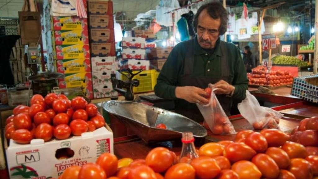 inflacion-primera-quincena-2020-jitomate-precios-bienes-servicios-inegi