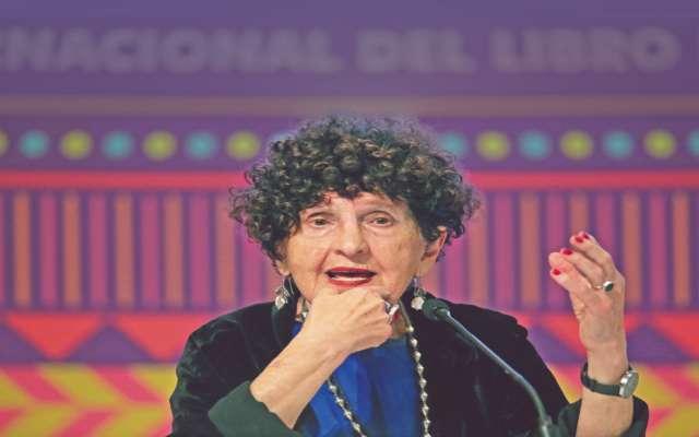 DISCRECIÓN. Margo Glantz rechazó homenajes para su cumpleaños, sólo aceptó el recorrido que se realizará este domingo. Foto: Cuartoscuro