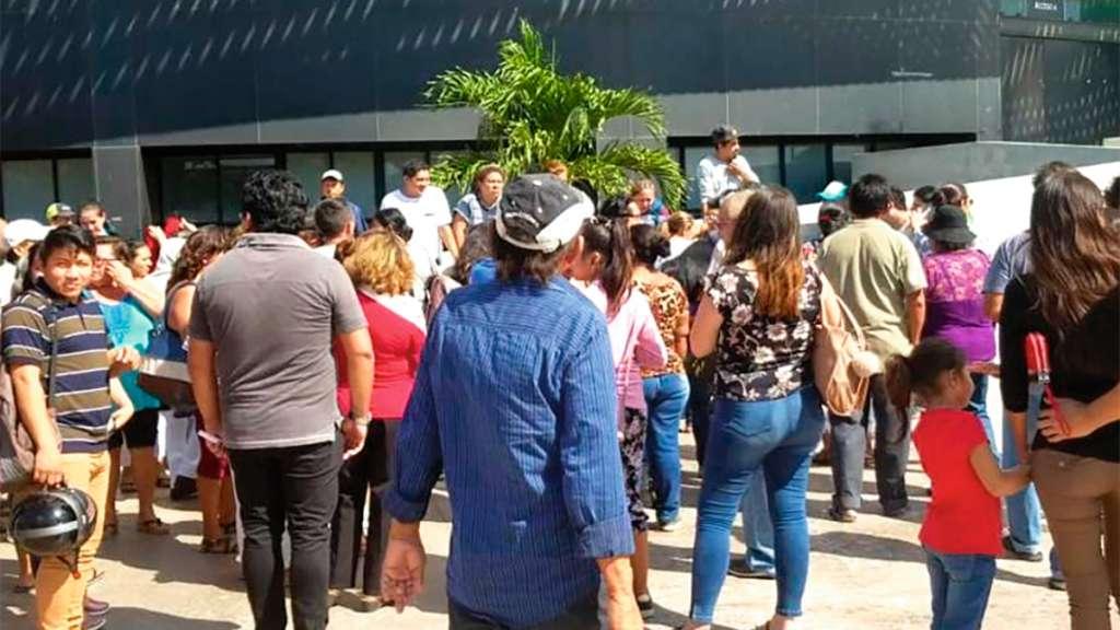 DATO. A muchos asistentes les dijeron que sería un evento de AMLO y que les darían una beca. Foto: Especial