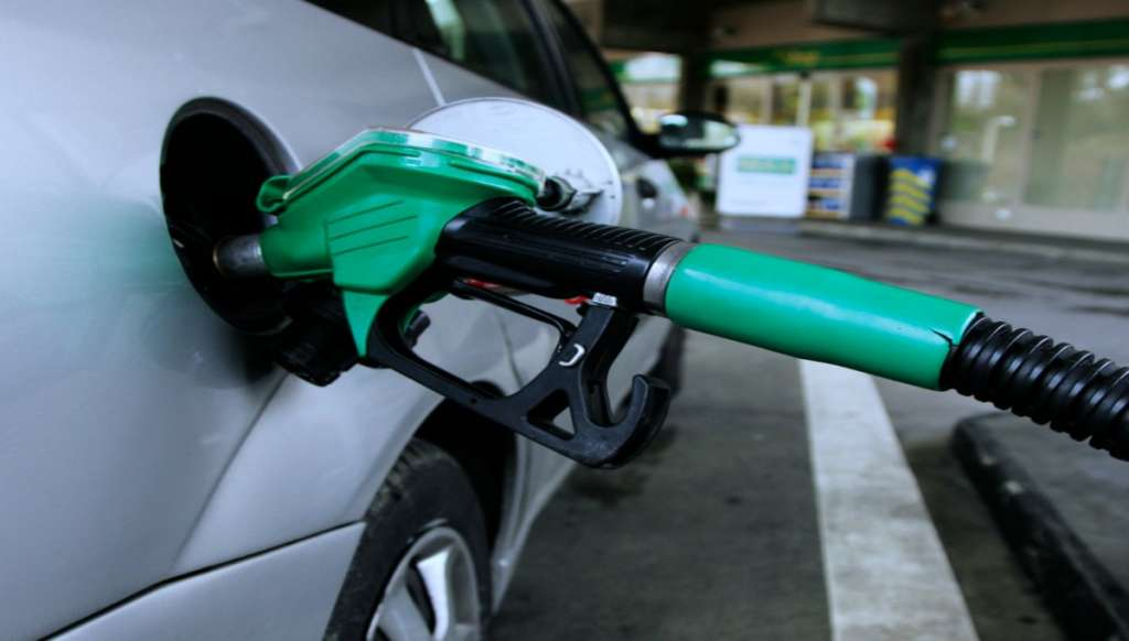 Mexicano-logra-producir-gasolina-con-basura