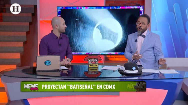 Proyectan _Batiseñal_ en CDMX; Alarcón proyecta señales tradicionales