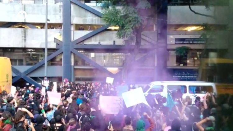 Feministas Violencia mujeres El Heraldo TV Noticias de la noche